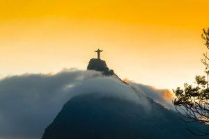 Brazilie standbeeld gele lucht zuid amerika continent Header 300x200 - Brazilie_standbeeld_gele_lucht_zuid_amerika_continent_Header
