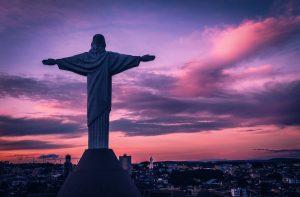 Zuid_Amerika_Brazilie_standbeeld_paarse_lucht_zuid_amerika_continent_Header