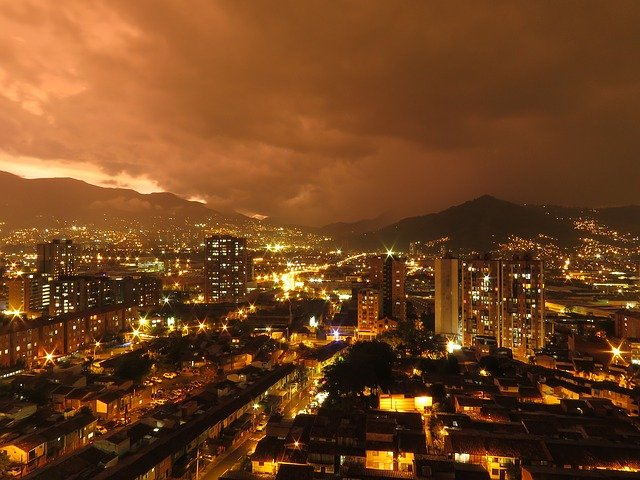 Klimaat en Zonsondergang van Medellin in Colombia