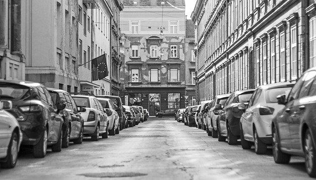 Straat en architectuur in Hoodstad van Kroatië: Zagreb.