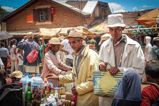 madagaskar_Mensen_Op_markt_in