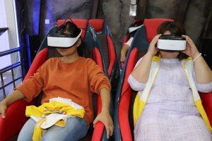 vr_virtual_reality_ouderen_japan_optimized